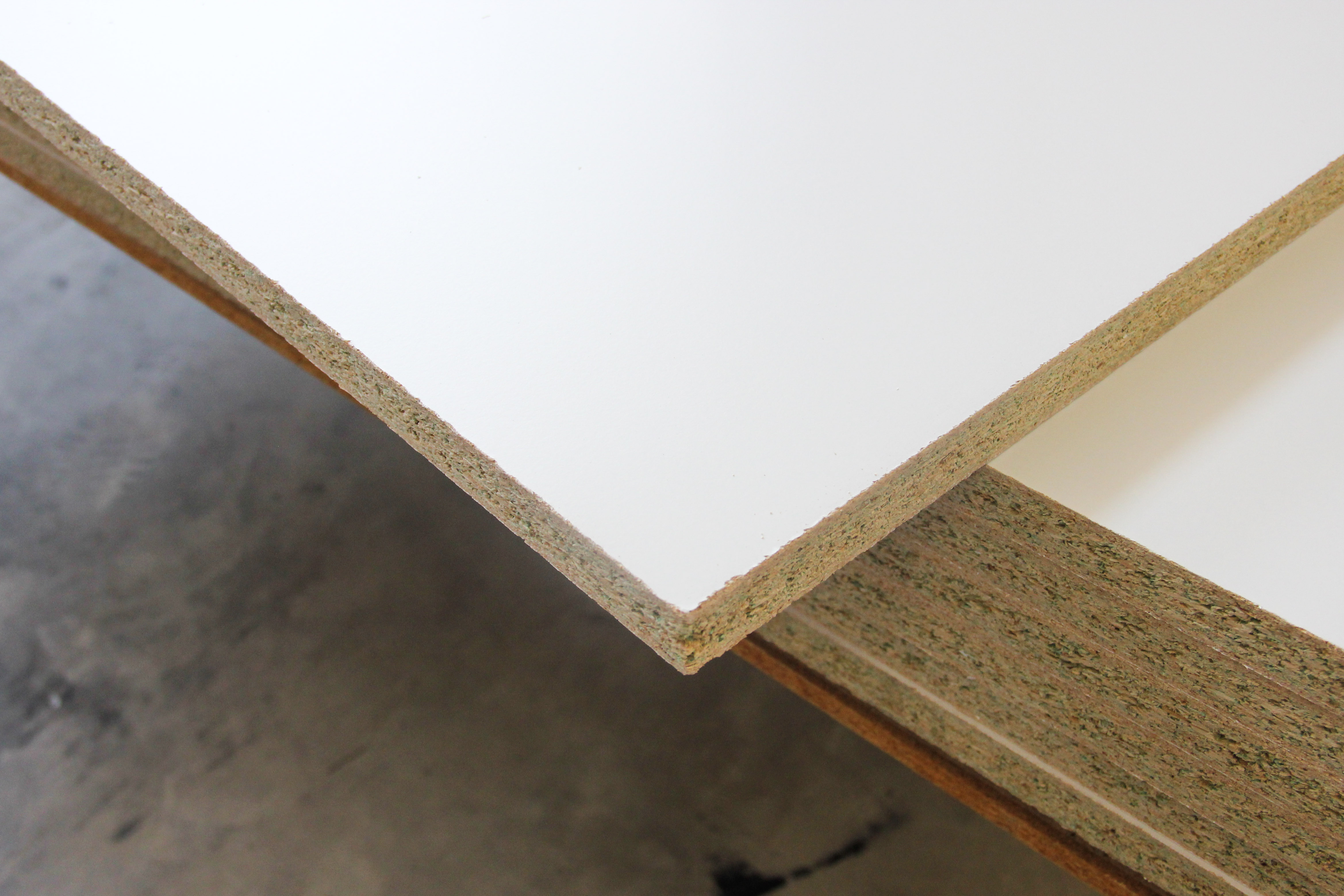 White Mr Particleboard 25mm Trademaster